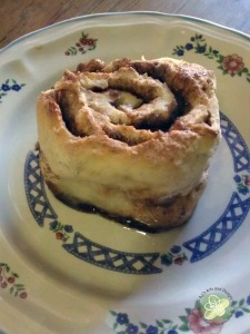 My pretty Cinnamon Bun (extremely yummy!)